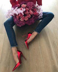 Проститутки и цветы